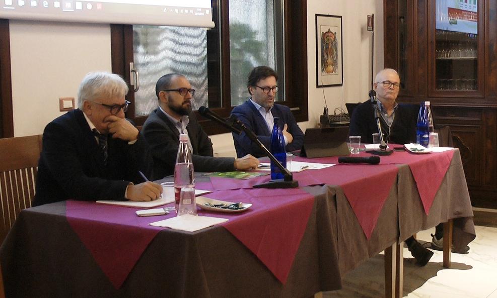 I relatori dell'evento, da sinistra: Franco Franceschetti, Lorenzo Andreotti de L'Informatore Agrario (moderatore), Luca Marcheselli e Arnaldo Bovolenta