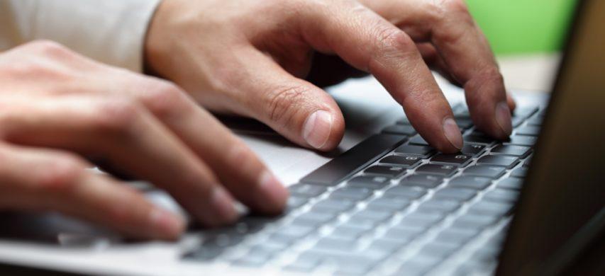 mani e computer