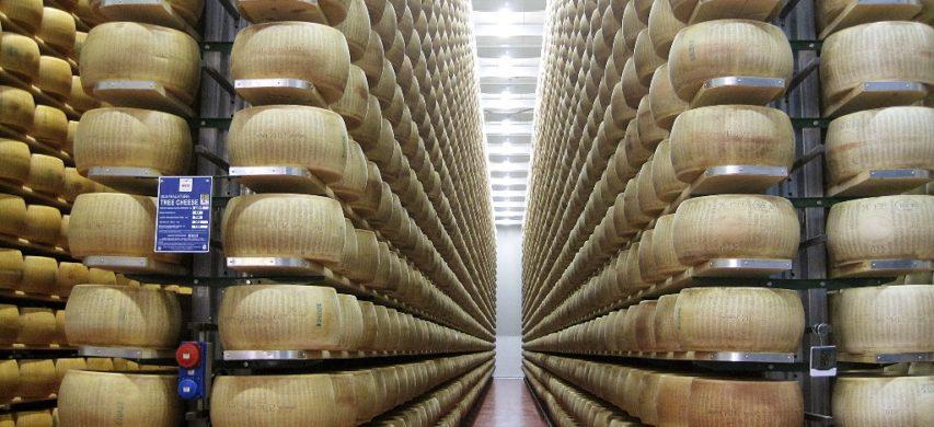 parmigiano in magazzino