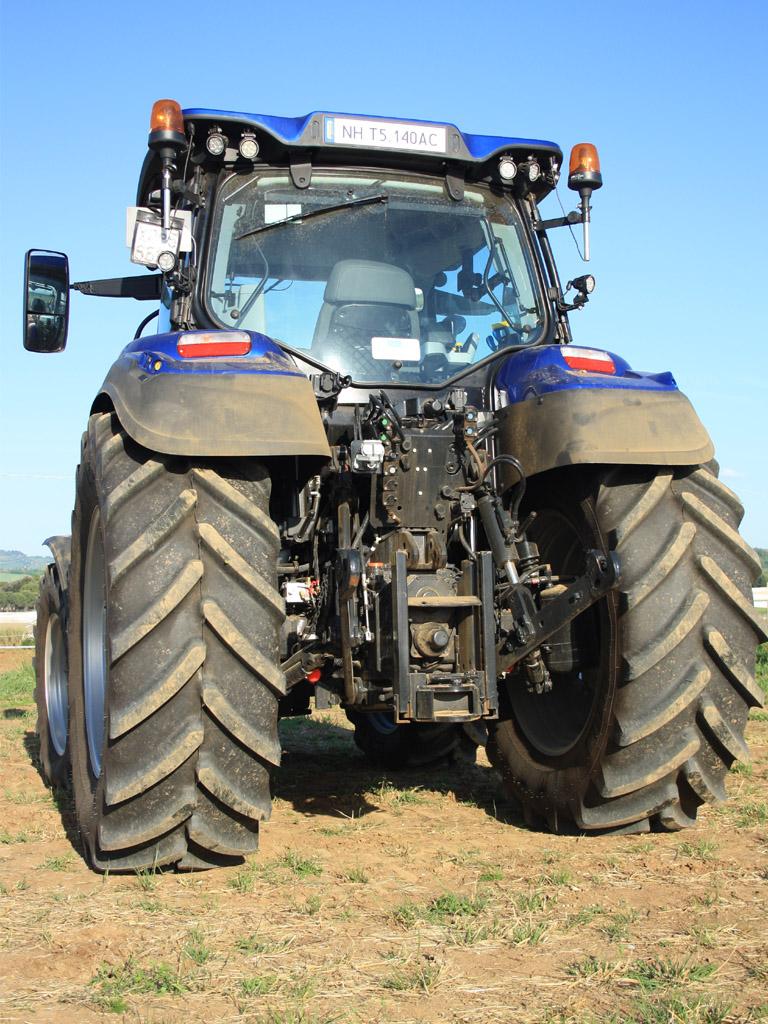 new holland t5 140 auto command  prime impressioni